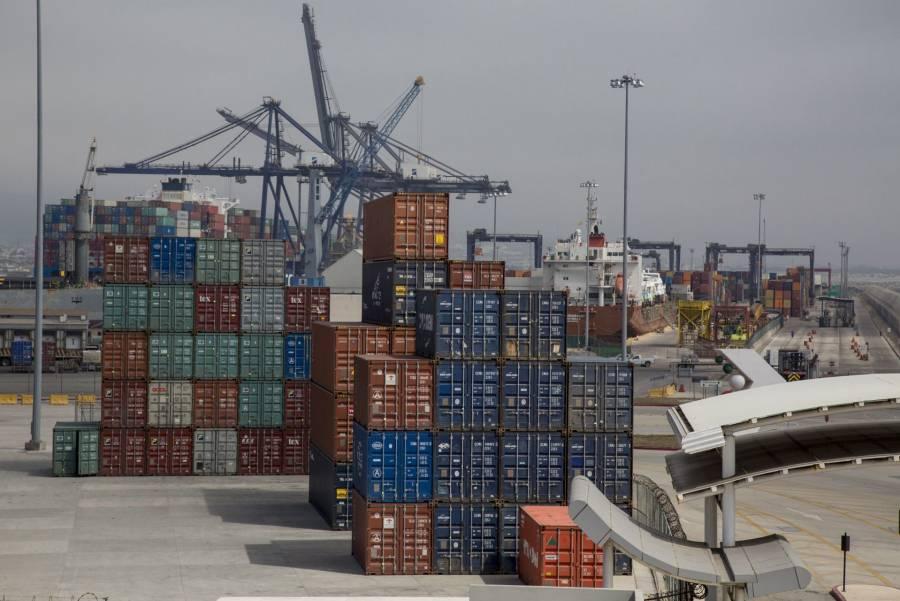 Covid-19 tira a México del primer lugar en comercio con EU