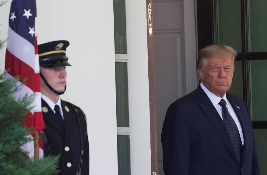 Trump amaga con quitar fondos a  escuelas que no reabran en agosto