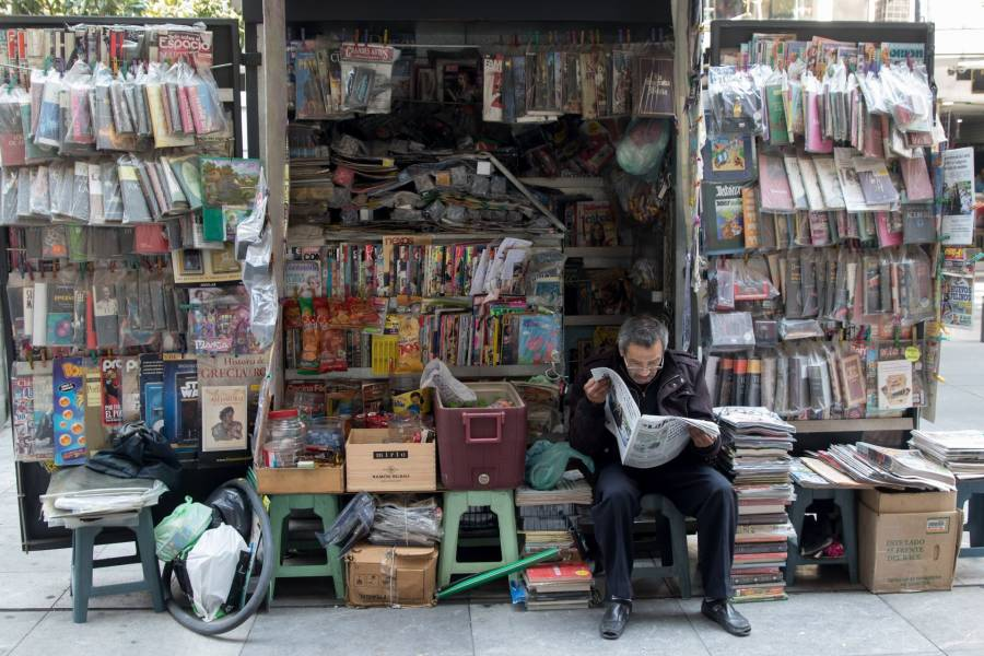 Desorden en redes sorbe recursos a los medios impresos