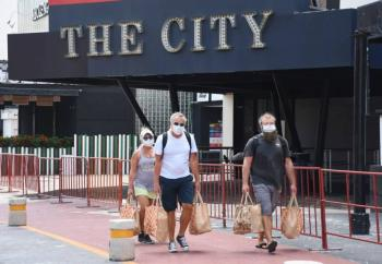 Turismo extranjero regresa a sector en desorden