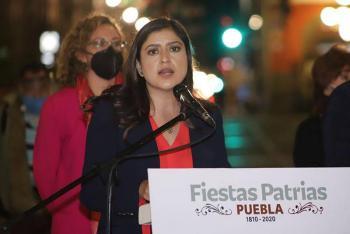 Denuncian a Claudia Rivera por violencia de género