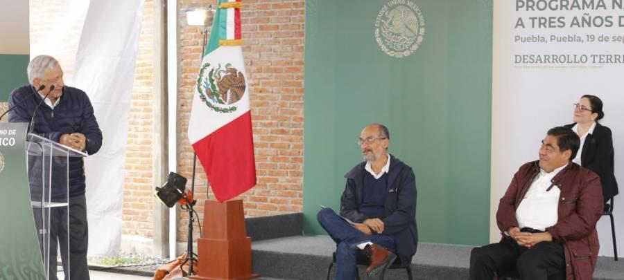 Destaca AMLO estrategia de Puebla para contener Covid