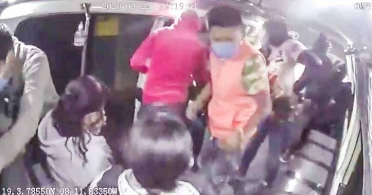 Repuntan robos en transporte público en Puebla
