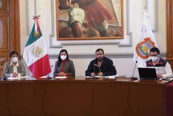 Remunicipalización del agua divide al gobernador Barbosa y Claudia Rivera