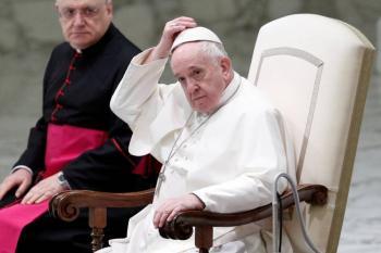 Papa avala unión entre homosexuales