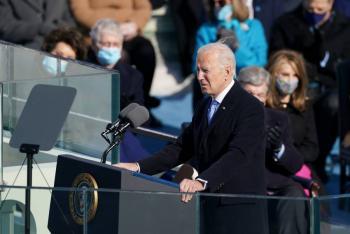 Biden llega tira el muro y protege a los dreamers