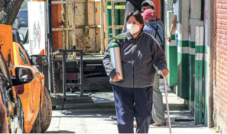 Incumple Comuna con apoyo para tanques de oxígeno y cremaciones