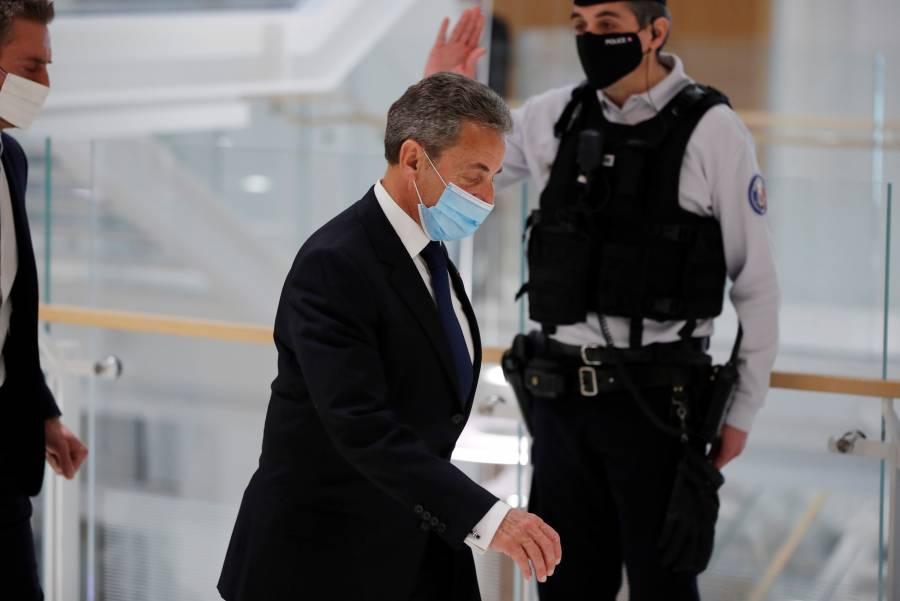 """Por """"pacto de corrupción"""", condenan  a Sarkozy a 3 años de cárcel"""
