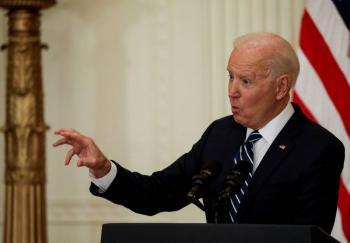 Biden dice que familias migrantes en la  frontera con Meacutexico seraacuten devueltas