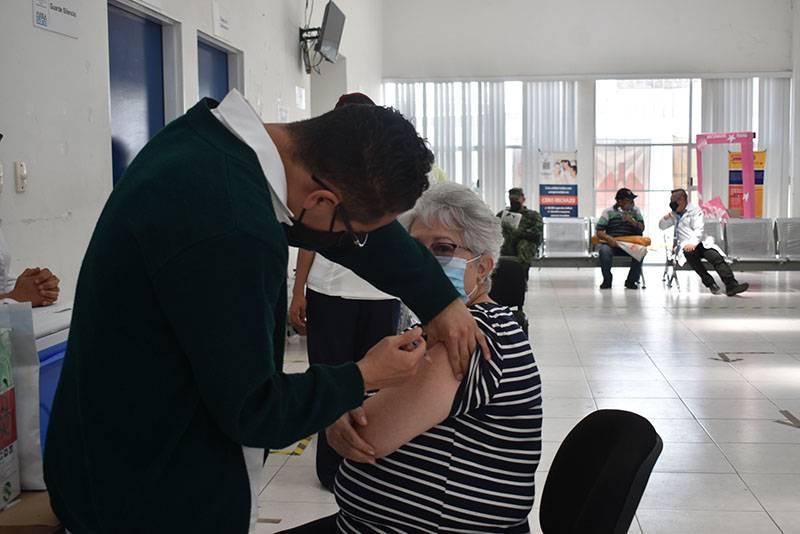 En 50 municipios, avanza vacunación masiva en Puebla