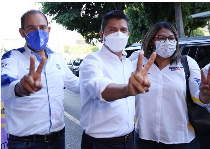 Lalo Rivera muestra músculo; Claudia Rivera, el ejemplo del mal gobierno