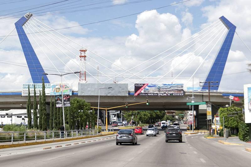 Hay 21 denuncias penales por anomalías en puentes atirantados en Puebla