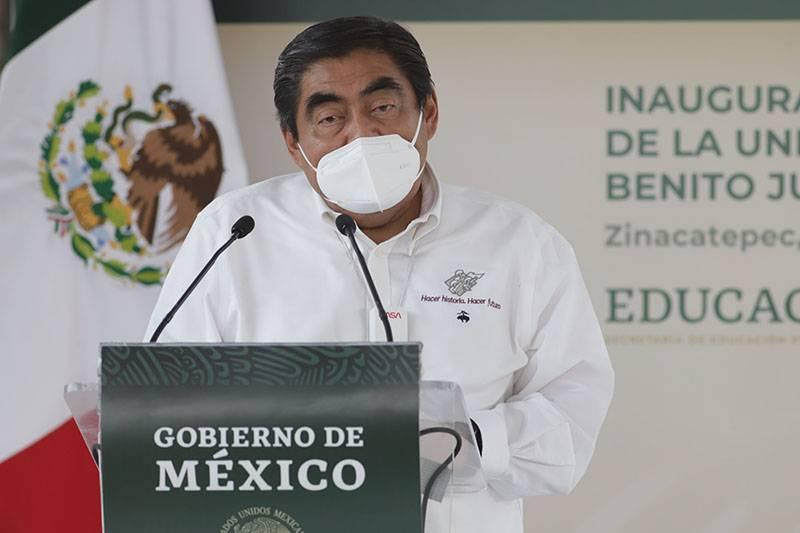 Gobernador se compromete a intervenir contra ambulantaje criminal en Puebla capital