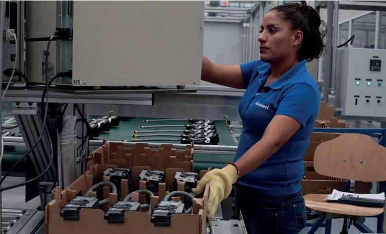Economía femenina vapuleada: 122 mil sin empleo por pandemia
