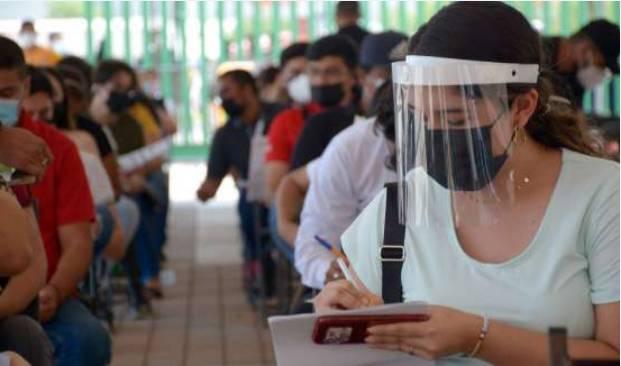 Pega a Puebla rezago en vacunación; Barbosa demanda a la Federación enviar más dosis